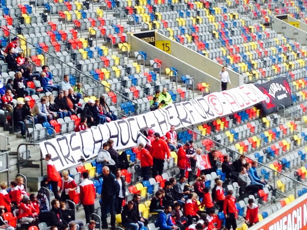 Arsch hoch beim Fortuna Spiel in Düsseldorf